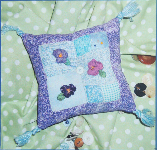 """/""""Pansy Pincushion/"""" Patchwork Pattern Saginaw Street Quilt Co Small or Large NIP"""
