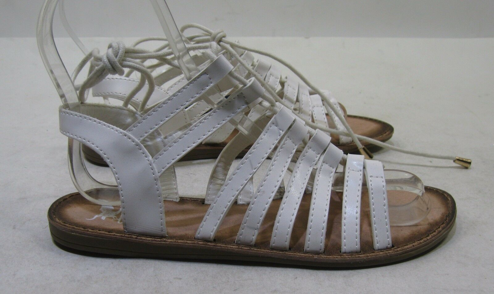 "BRAND NEW WOMEN'S UNIONBAY ""ON"" ""IT"" WHITE COLOR SANDALS SIZE 8"