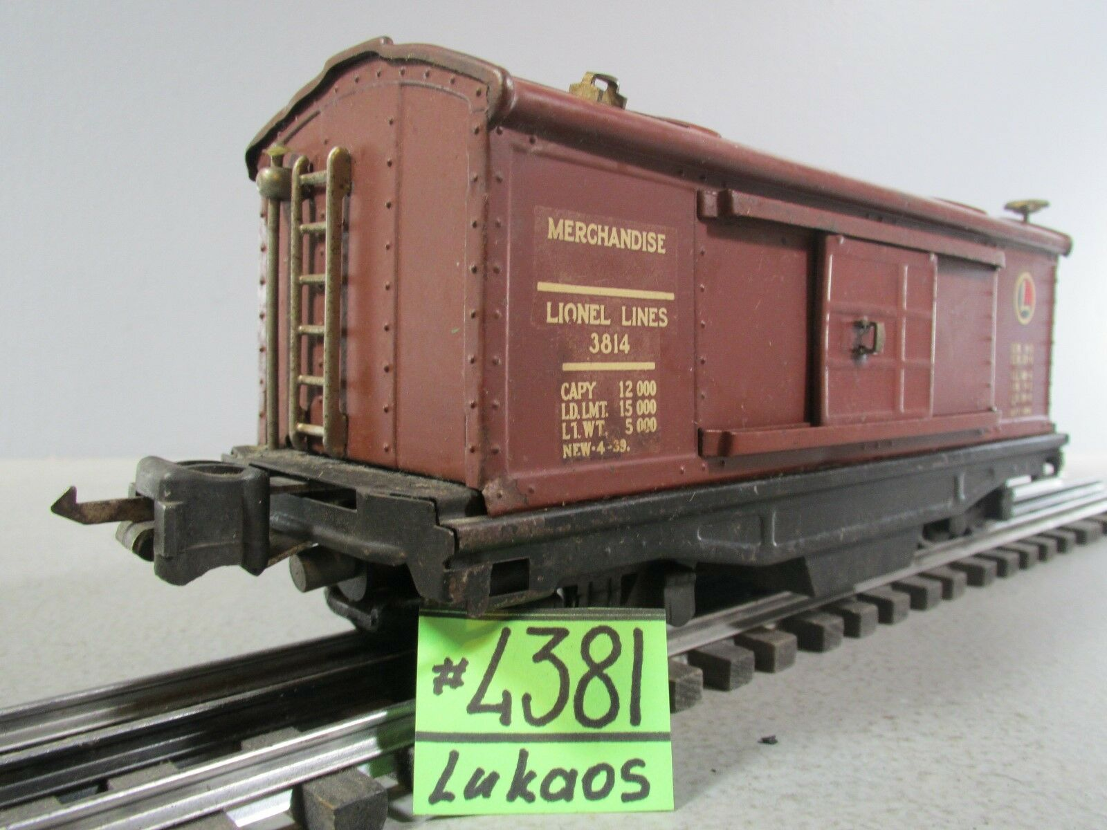 Lionel 3814 Operating Merchandise Bax Car