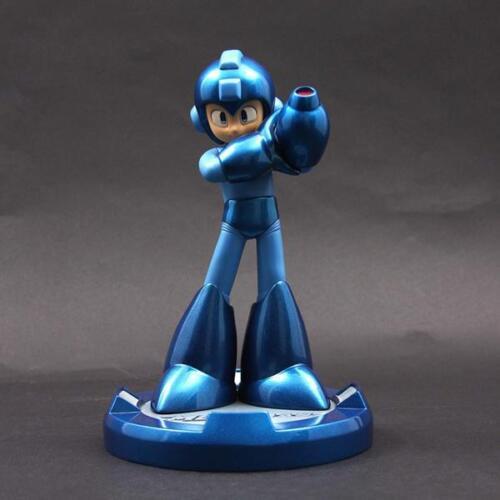 Mega Man 25th Anniversary Blue Mega Man Statue NEW IN STOCK Collectibles