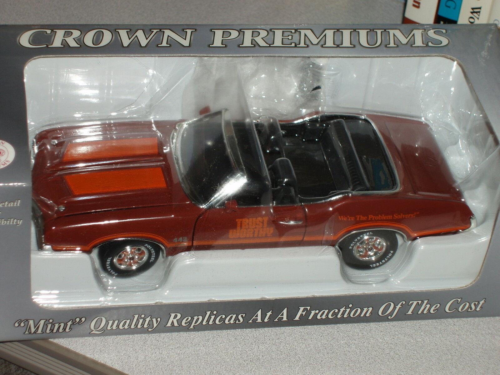 CROWN PREMIUMS 1972 OLDSMOBILE CUTLASS 442 BURGANDY CONV 1/24 TRUST WORTHY