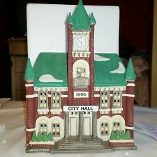 DEPT 56 CITY HALL -  Christmas in the City MINT COND. Retired 59692