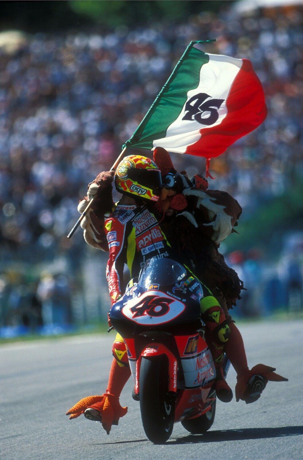 MINICHAMPS VALENTINO ROSSI 1/12 FIGURE APRILIA 250cc BARCELONA BARCELONA BARCELONA 1998 AVEC POULET | à Prix Réduits  6363e1