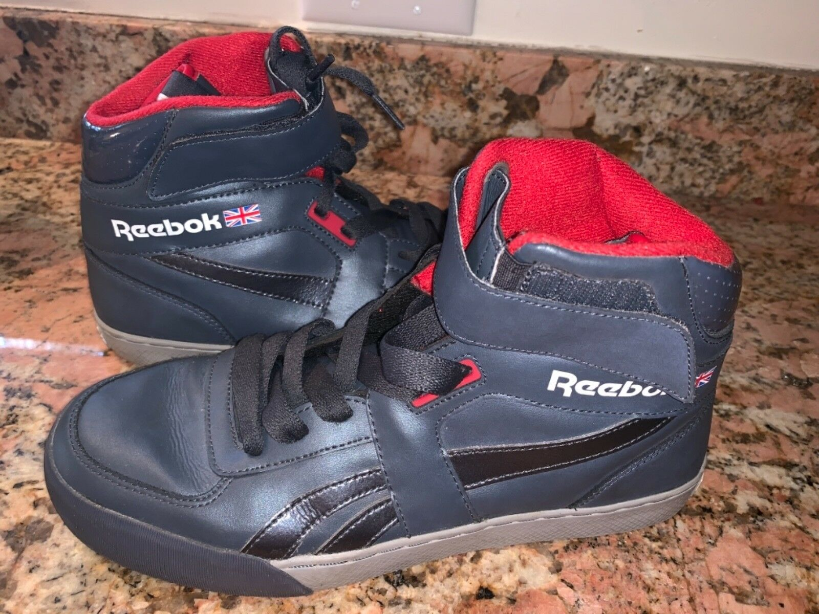 Rare Vintage Reebok Hi Top  Velcro Mint Grey Red Size 8.5 EUC