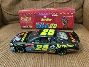 2002-Ford-Taurus-Action-1-24-Ricky-Rudd-Muppets-The-Great-Gonzo