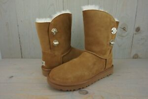 377adcd3891 Details about UGG CLASSIC SHORT TURNLOCK CHESTNUT SUEDE BOOTS womens US 10  NIB