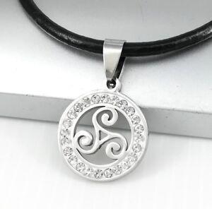 Silber-Triskele-Keltisch-Edelstahl-Anhaenger-Schwarz-Leder-Halskette-Lederkette