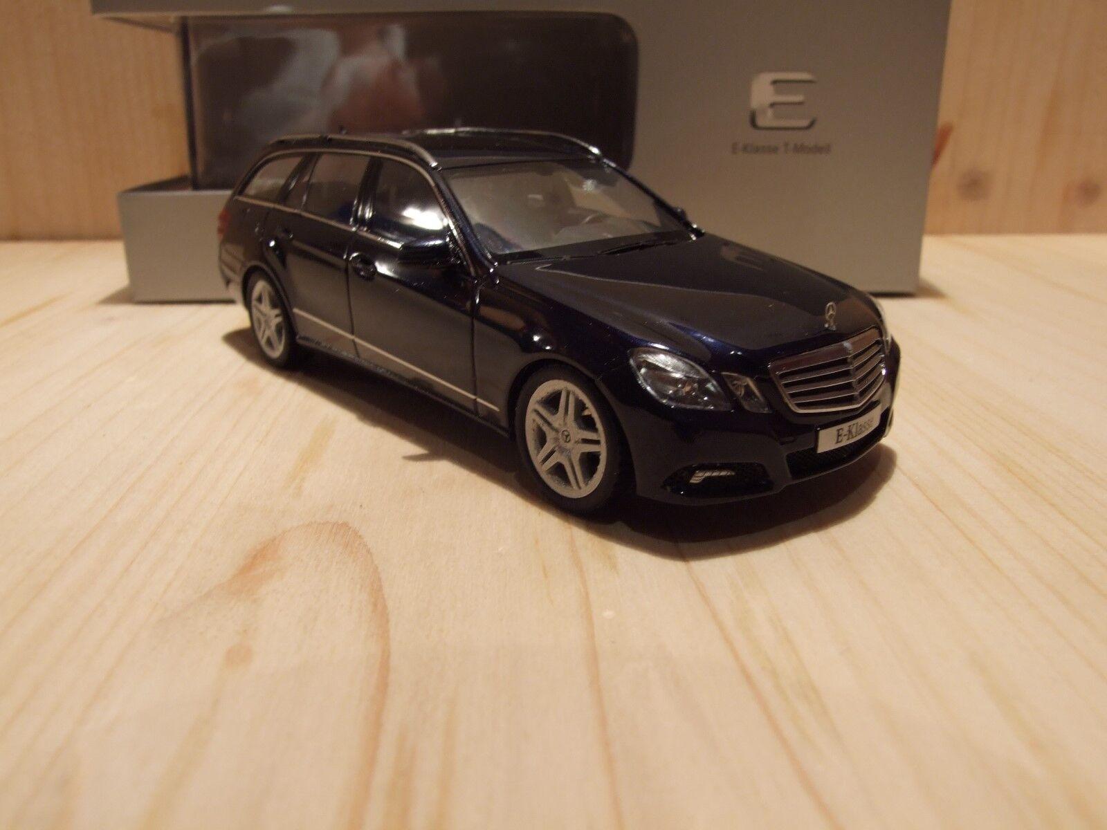 Mercedes-Benz E500, W212, T-Modell, 1 43, tansanitbluemet., AMG-Felgen