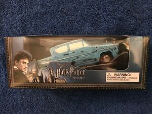 Weasley Flying Car, Authentic Wizarding World of Harry Potter, Universal Studios