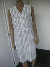 apriori  tolles  Strandkleid  Gr. 42 weiß grau