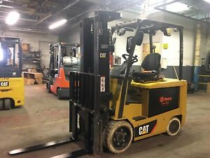 2016-Cat-6000-Lb-Electric-Forklift-With-Side-Shift-and-Triple-Mast