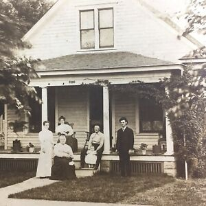 Antique Photo Victorian Family House Homestead Plants Men Women 1890s Fashion