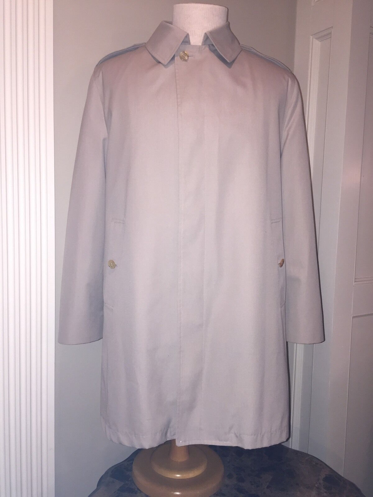 Westchester Classic Trench Coat 42 L Vintage Removable Lining    MINT Worn ONCE