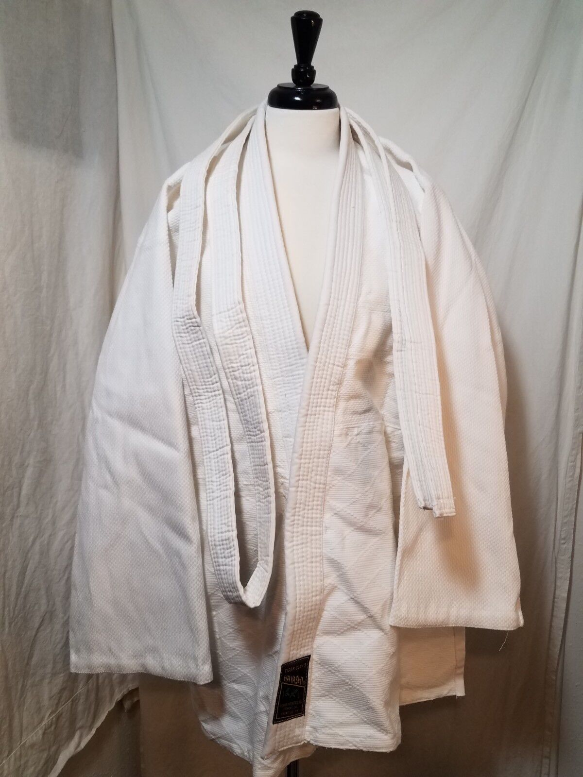NEW Tiger  Claw's Hayashi White Judo uniform with belt unisex size 4  brand