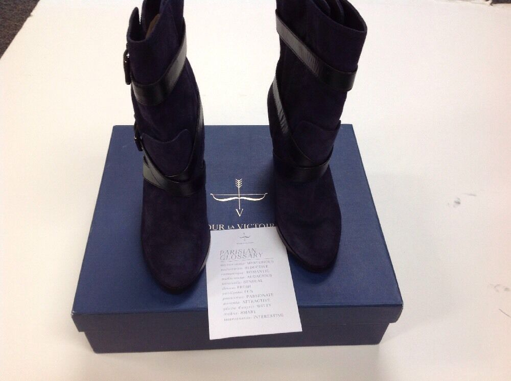 Roslin Buckle-Wrap Suede Boot Navy Size 8