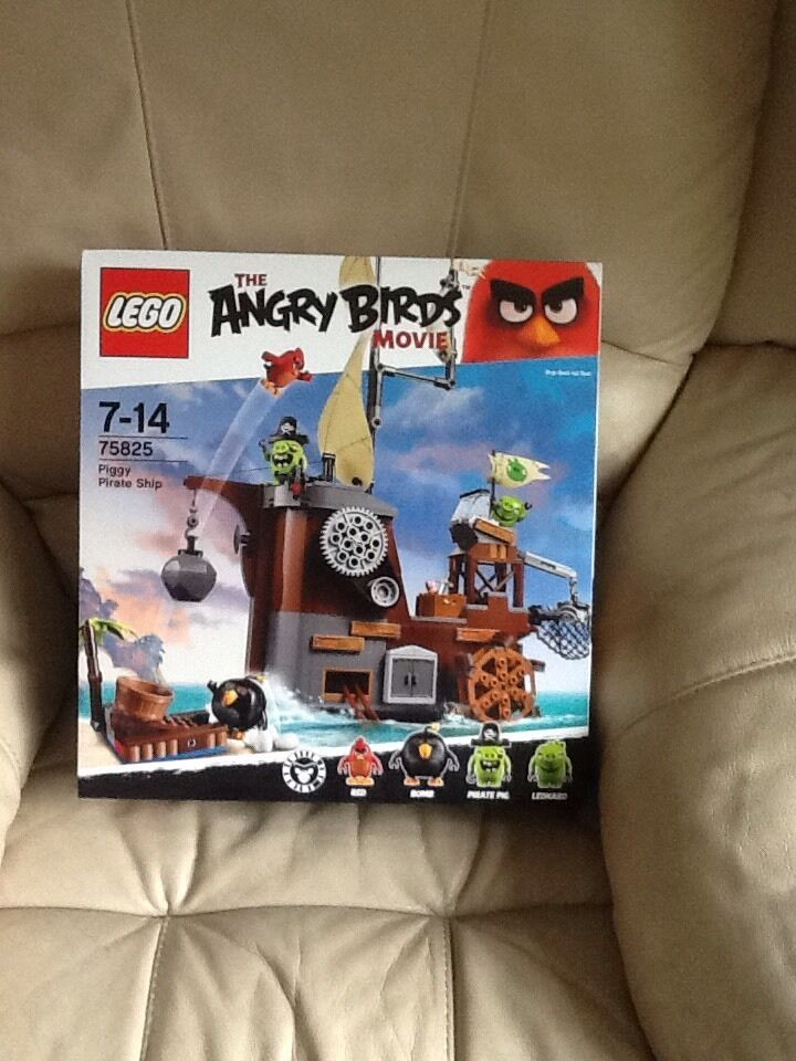 Lego 75825 Angry Birds Cochon Pirate Ship Building Set