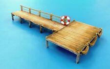 Plus Model Jetty Anlegestelle Steg Kai Diorama Resin+Holz Model Kit 1:35 Art 500