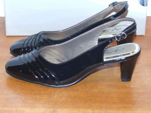 """Soft Style by Hush Puppies Pleats As Punch Brown or Black Pumps 2 1//2/"""" Heel"""