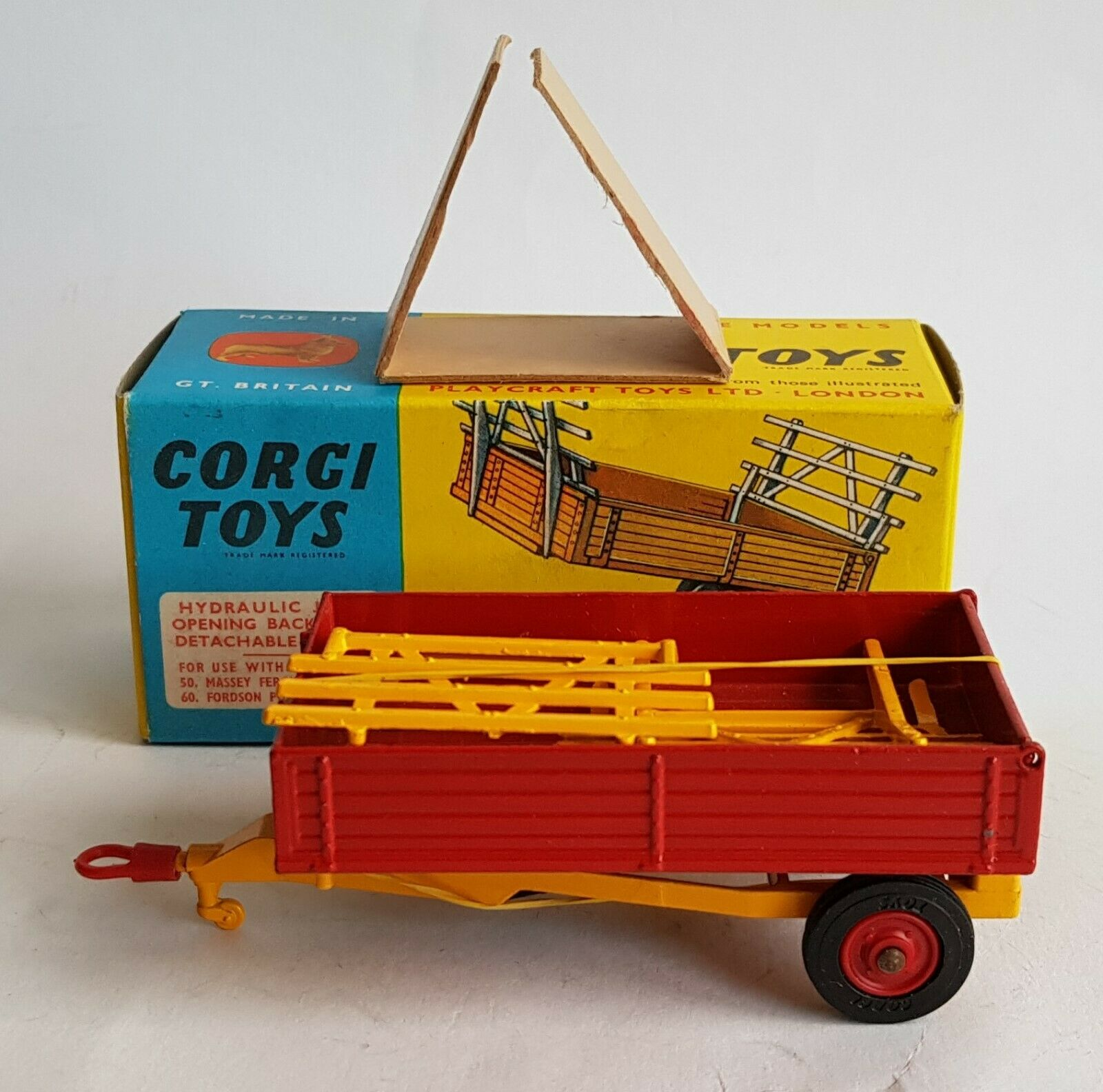 Corgi Spielzeugs 62, Landwirtschaft Tipper Trailer, with Plastic Hook, - Superb Mint Condition.
