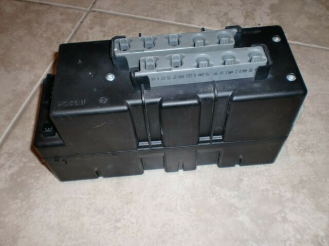 2000-2006 Mercedes-Benz S-Class Central Door Lock Vacuum Pump 220 800 05 48 OE