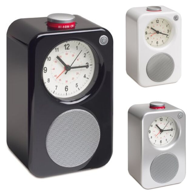 Analog Alarm Clock with AM/FM Radio Retro Style - Battery Powered (Black)