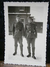 Photo argentique guerre 39 45 soldat Allemand wehrmacht WWII 2 pose dans caserne