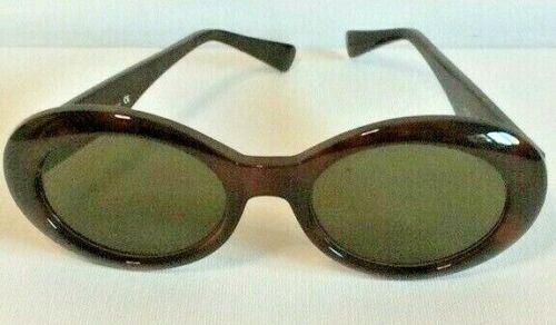 GIANNI VERSACE Vintage Sunglasses In Original Case - image 1