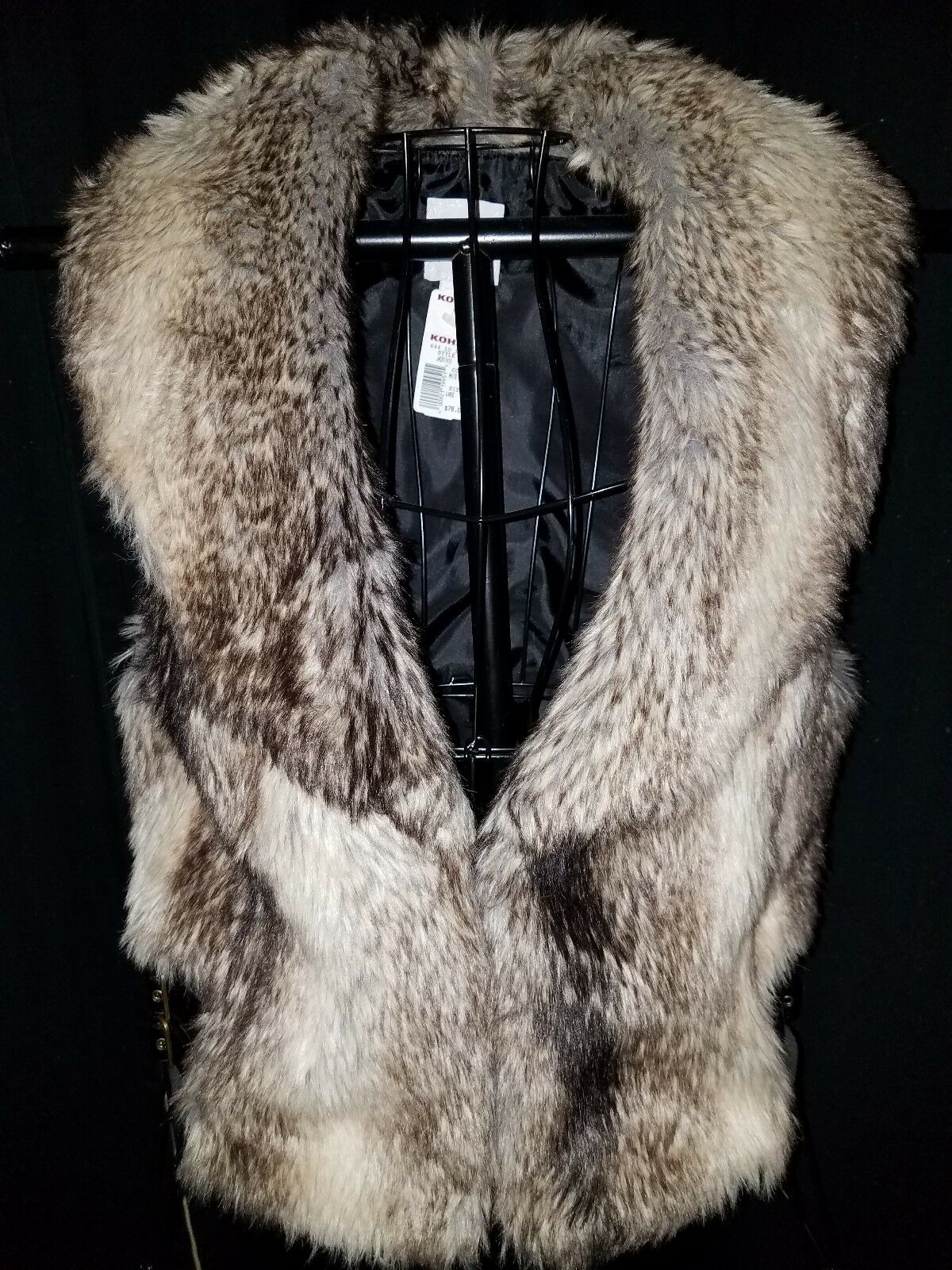 Candie's Faux Fur leather Vest. New With Tags. Size Large. Brown. Retail  78