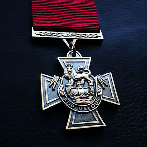 Victoria-Cross-Highest-Military-Cross-Medal-Decoration-For-Valour-Unique-Repro