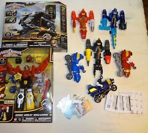 Power Rangers Mega Force Ensemble complet Ultra Gosei Grand Grand Megazord à 100%