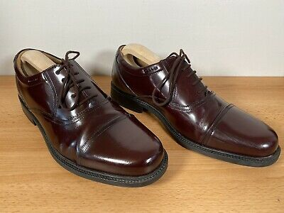 Clarks Size 9 Oxford Shoe Burgandy Red