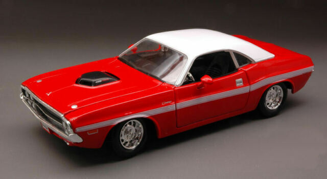 Dodge Challenger R/T Coupe' 1970 Rouge/Blanc 1:24 Model 31263R Maisto