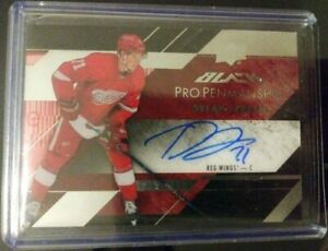 Detroit-Red-Wings-Dylan-Larkin-ROOKIE-2015-16-UD-Black-Pro-Pen-AUTO-MINT