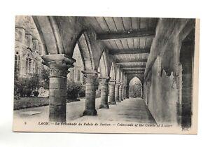 LAON-Columnatas-el-Palacio-de-Justicia-A4965