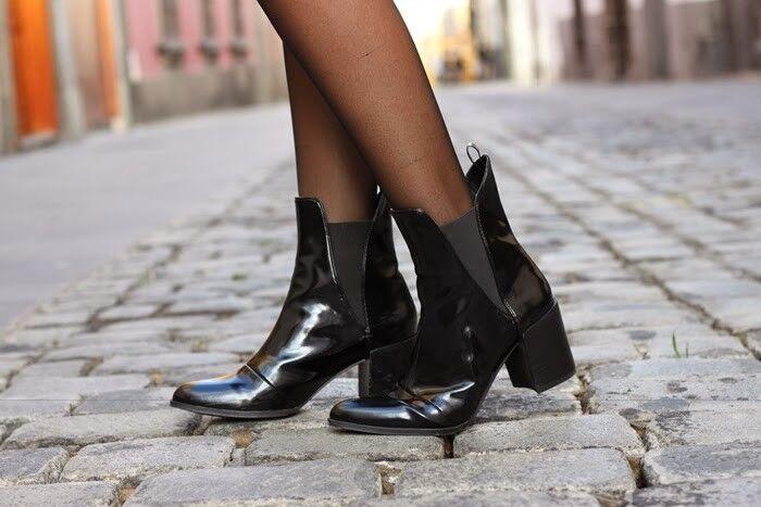 Nuevo Zara Zara Zara Negro Patente Elástico Tobillo botas Taco Alto Talla 36EU 3UK 6US Rara  forma única