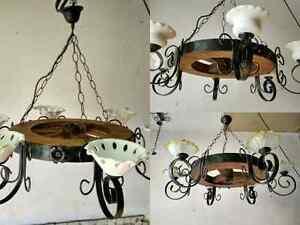 Lampadario Rustico In Ferro Battuto : Lampadario rustico in ferro battuto e legno mod. ruota 6 luci e14