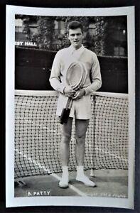BUDGE PATTY 1950's ORIGINAL WIMBLEDON PHOTOGRAPHIC TENNIS POSTCARD