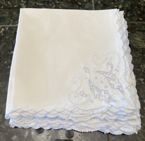 Set-of-8-Dinner-Napkins-White-with-Blue-Embroidery-Lace-Scalloped-Openwork