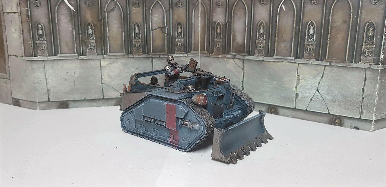 DödsKorps från Krieg Centaur konstilleri Traktor målad Warhammer 40k