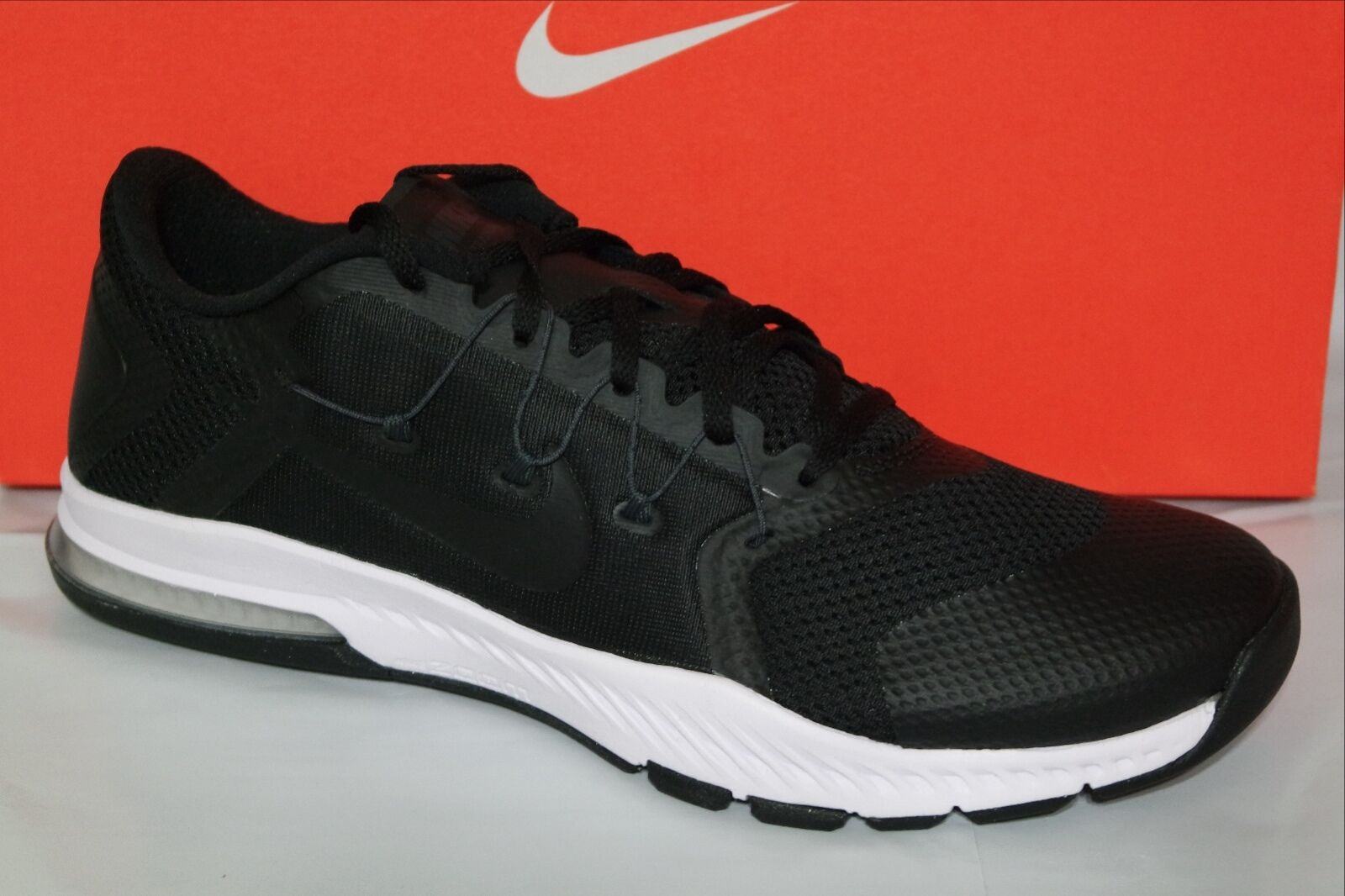 NIKE ZOOM TRAIN COMPLETE MEN'S TRAINING SHOE, BLK WHITE, SIZE 9 & 10, 882119 002