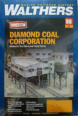Life Like 933-4046 Walthers Cornerstone Diamond Coal Corporation 49.2 by 33.4 by 19cm Walthers