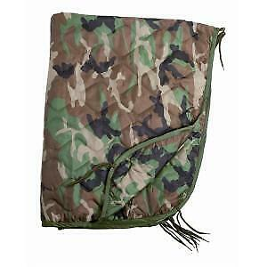 PONCHO LINER COUVERTURE MATELASSEE 210 X 150 CM CAMOUFLAGE WOODLAND