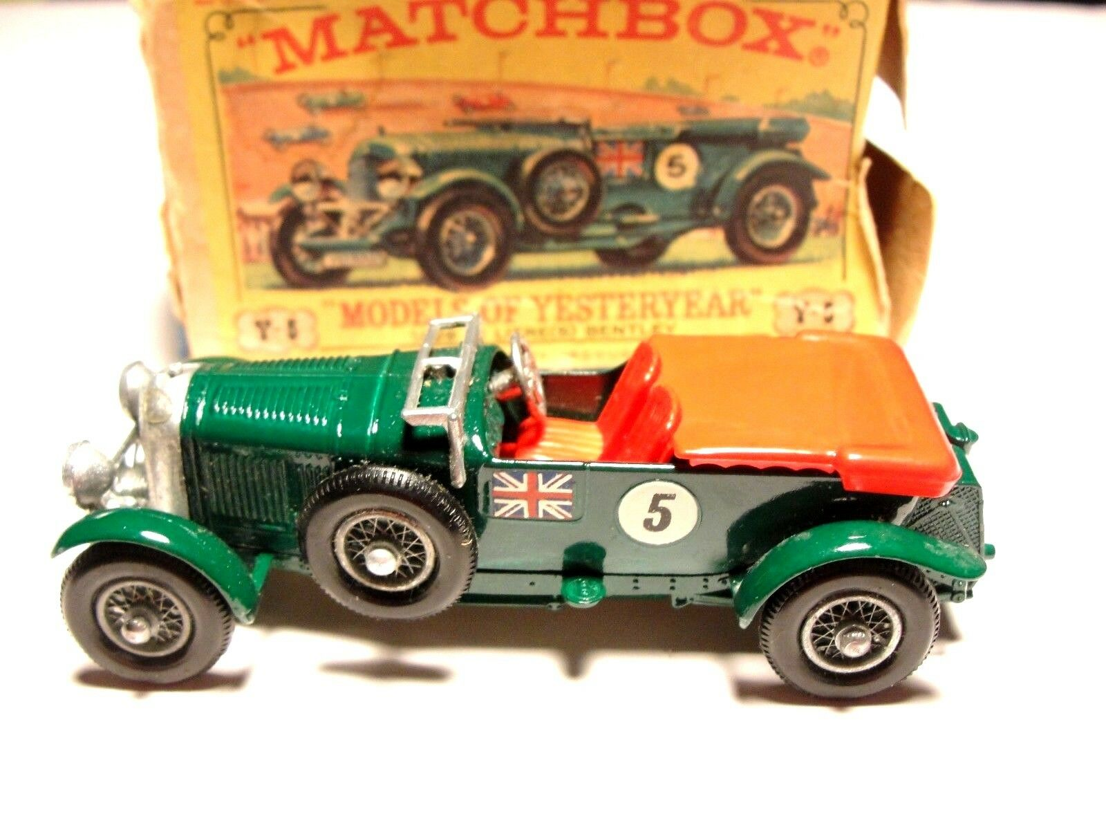 MATCHBOX YESTERYEAR Y-5-2 BENTLEY METALLIC APPLE GREEN WITH RED SEATS BOXED