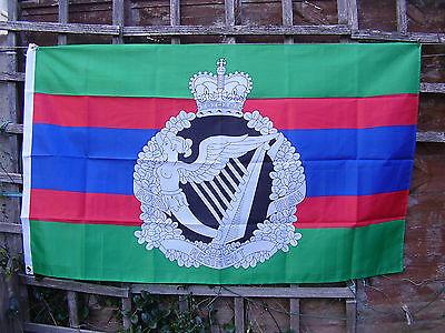 Royal Irish Regiment Beret/Cap Badge On Military Stable Belt Colours Army Flag