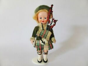Vintage-1950s-Celluloid-Scotland-Bagpiper-Doll-Mid-Century-Scottish-Souvenir