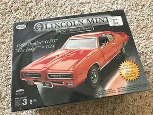 Testers-Lincoln-Mint-1969-PONTIAC-GTO-THE-JUDGE-1-24-Model-Car-kit-NEW-sealed