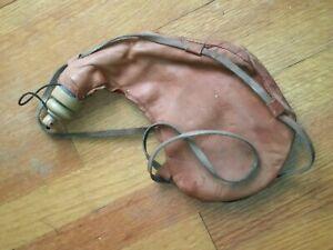 1976-Renaissance-Pleasure-Fair-Handcrafted-Leather-Wine-Satchel-Bag