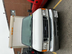 Certified  2004 Ford E450 for sale.