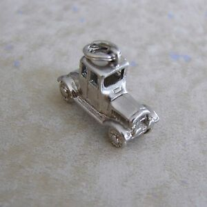 Old-Fashioned-Car-Automobile-Silver-Plate-Bracelet-Charm-Silverplate