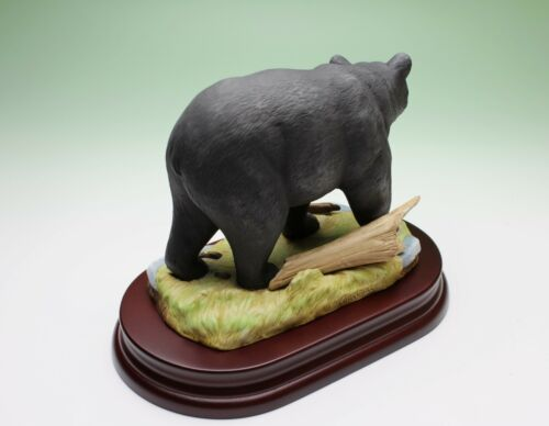 Black Bear Porcelain Figurine w Base in Box Andrea by Sadek Japan Bankrupt Stock